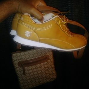 81/2 Timberland sneakers, Nine West purse